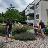 Vorbereitungen für das Sommerfest im Wohnstift Radaecker