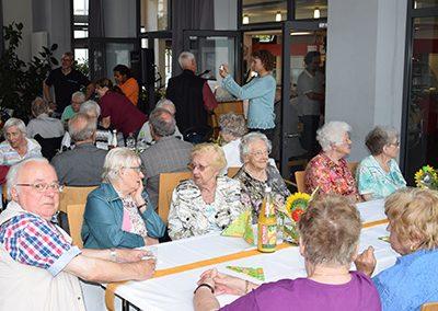 Soziales Projekt: Feste/Veranstaltungen/Feier für Senioren in Pflegeheimen im Großraum Esslingen
