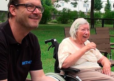 Soziales Projekt: Kaffee-Kuchen-Nachmittag für Senioren
